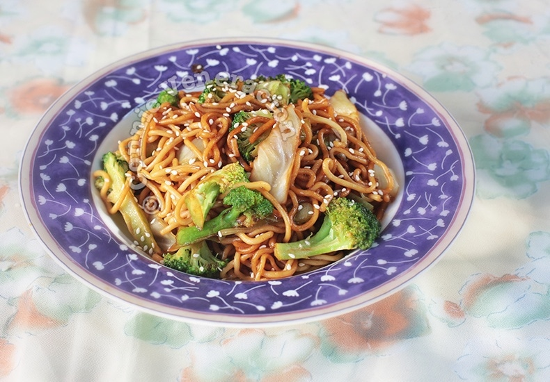 Vegetarian Teriyaki Noodles