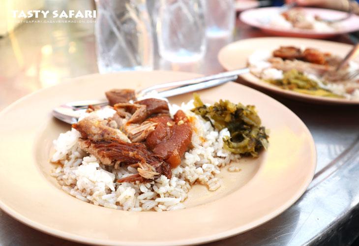 Cowgirl's khao kha moo (stewed pork leg) is overrated