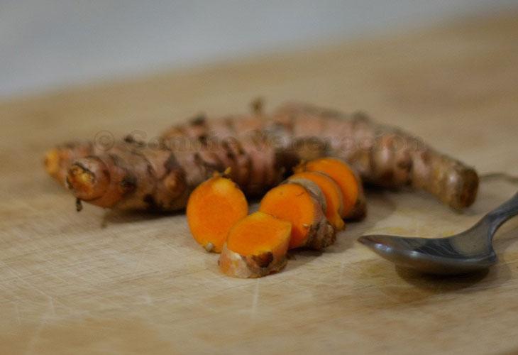Sliced turmeric