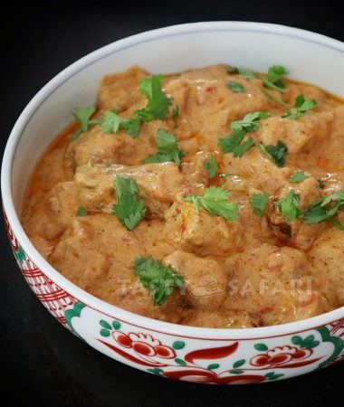 Butter chicken in bowl