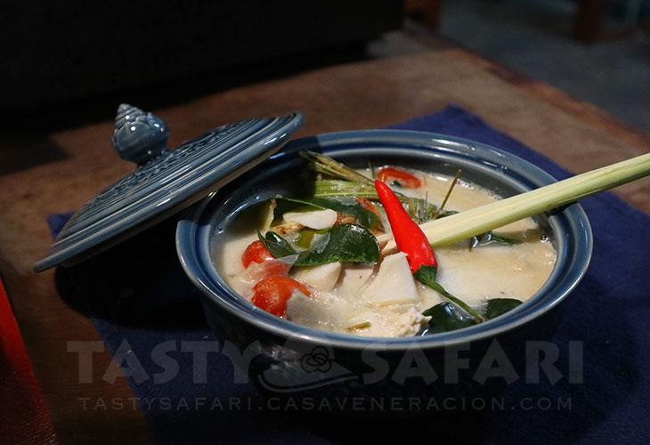 Tom kha gai (chicken soup in coconut milk)