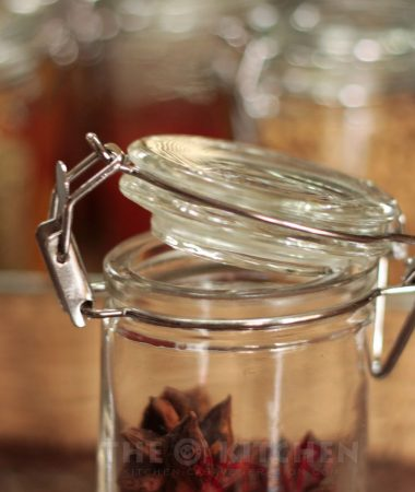 Reusable glass spice jar with airtight lid