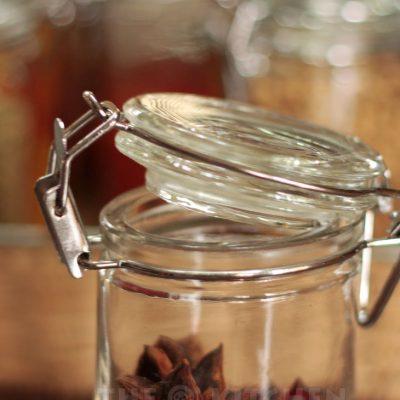 Reusable glass spice jar with airtight lid