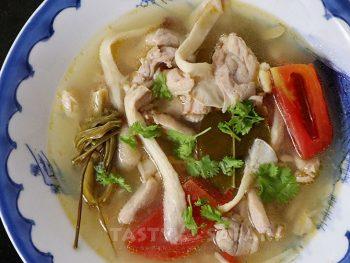Tom Yum Gai (Thai Hot and Sour Chicken Soup)