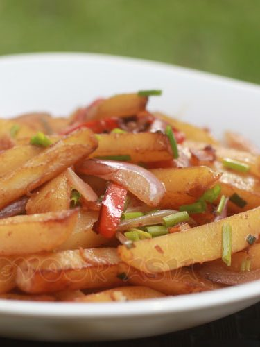 Gamja bokkeum (Korean stir fried potatoes)