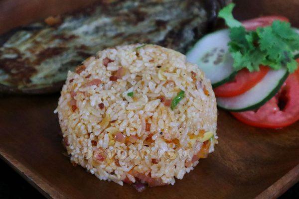 Chili shrimp paste fried rice
