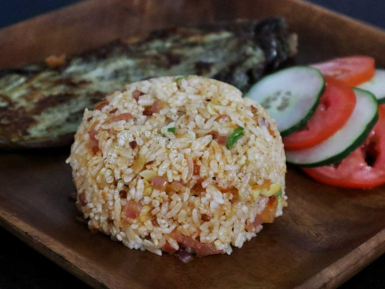 Spicy shrimp paste fried rice with eggplant omelette and vegetables