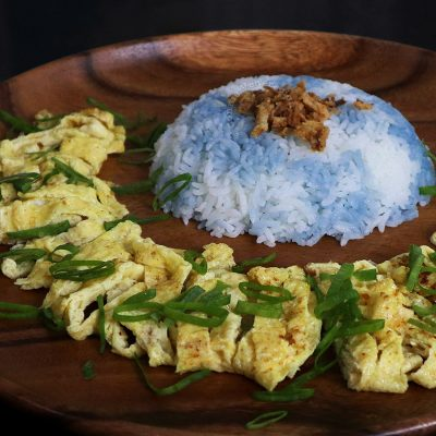 Nasi Kerabu (Malaysian Butterfly Pea Rice) With Omelette