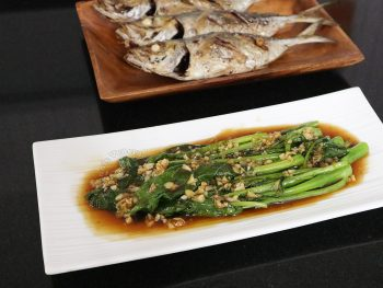Gai Lan (Chinese Broccoli) with Oyster Sauce