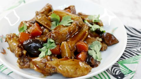 Chinese Braised Chicken Wings and Shiitake Recipe