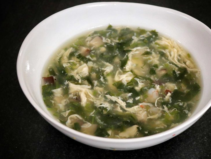 Chinese Spinach Egg Drop Soup With Shrimps and Black Mushrooms