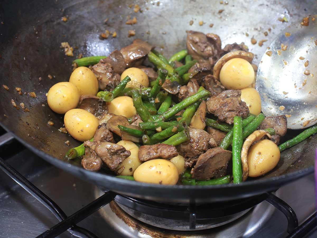 Chicken liver stir fry in wok