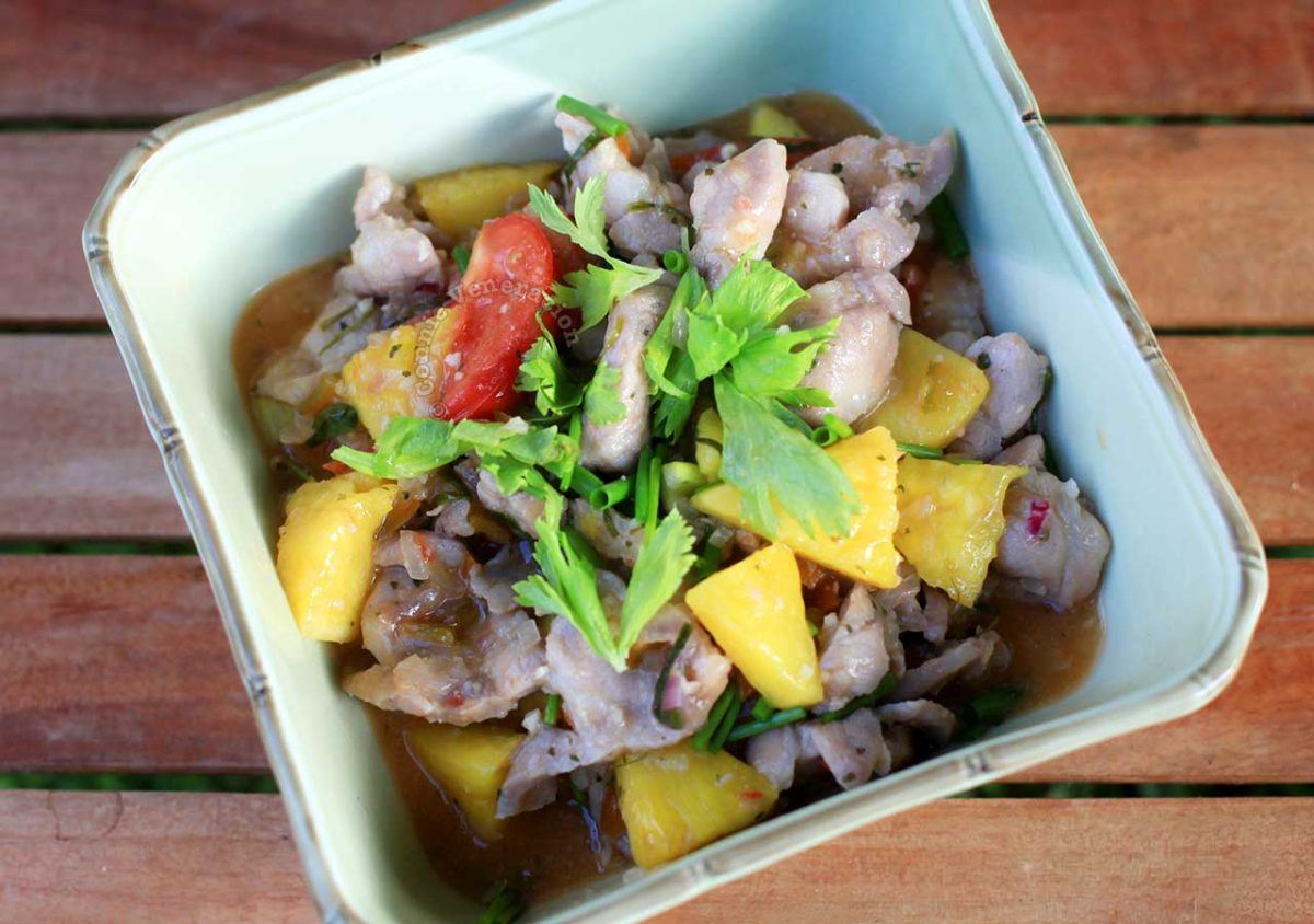 Home Cooked Vietnamese Pork and Pineapple Stir Fry (Muc Xao Khom)