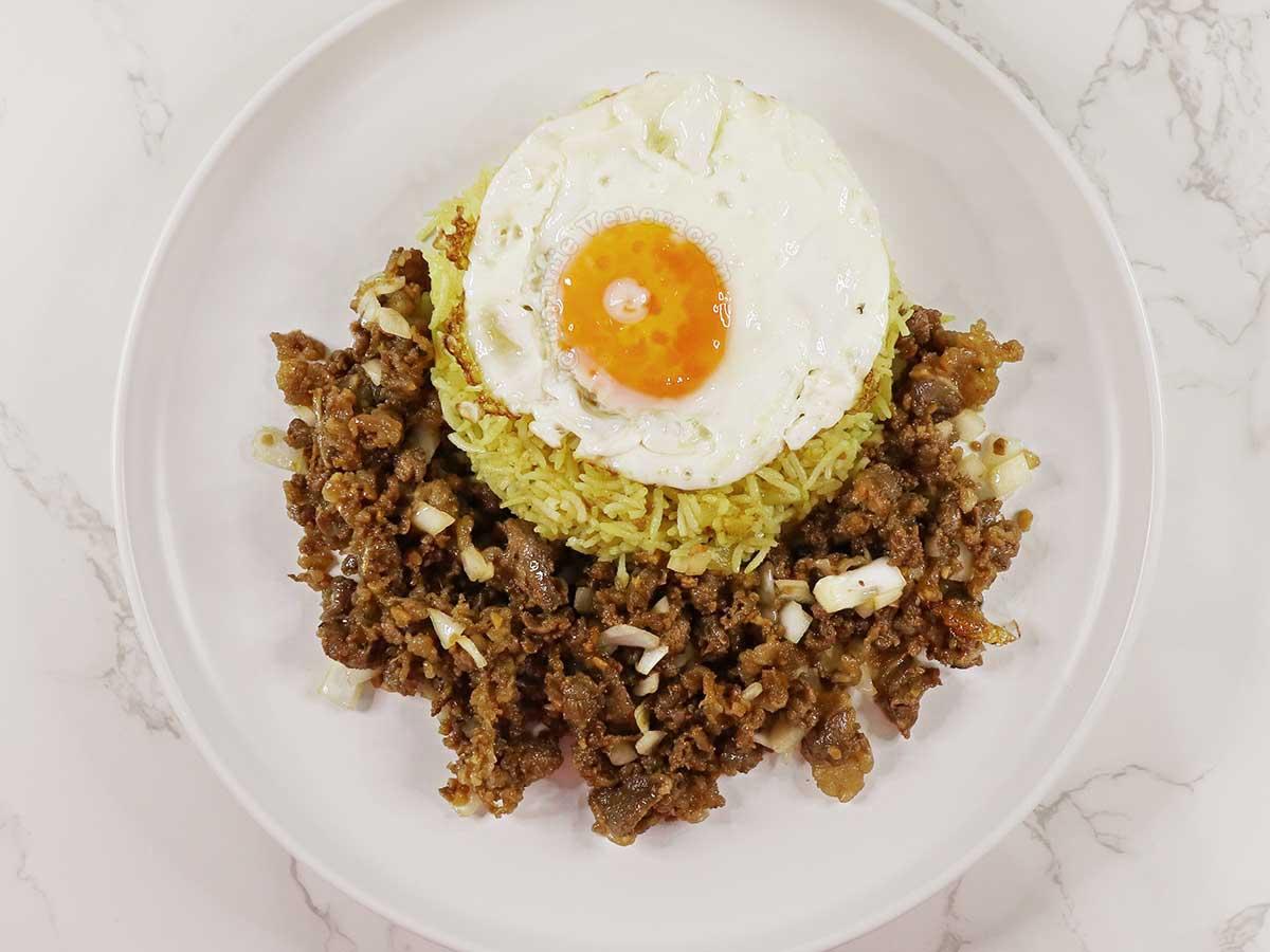 Tapsilog (beef, egg and rice)