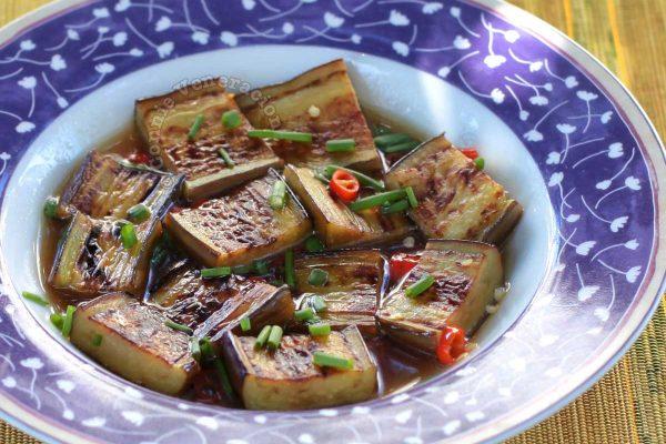Pan-grilled Eggplant with Calamansi Chili Sauce