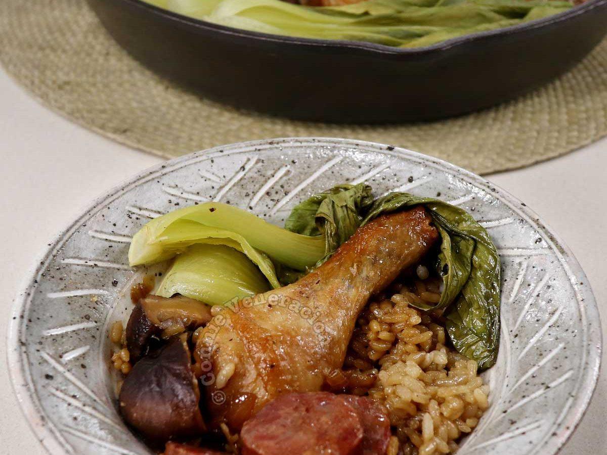 """A serving of """"claypot"""" chicken rice"""